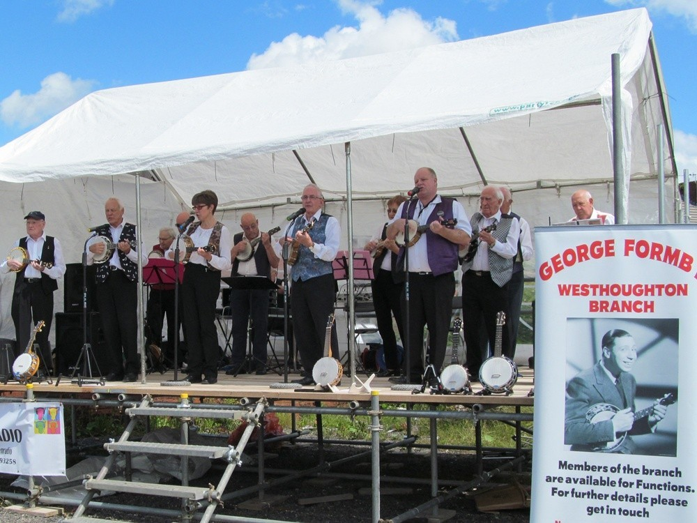George Formby Society perform at Westhoughton Yarn Bombing Festival 2016