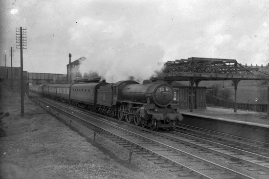 Steam train at Daisy Hill Station in 1952
