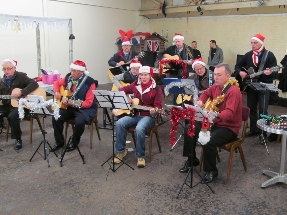 The Travellin' Strings perform at the Westhoughton Victorian Market (2013)